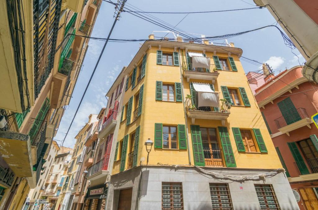 """Die Stadtvilla """"Miraclet"""" in Palma de Mallorca ist eins unsere idealen Ferienhäuser zu Ostern"""