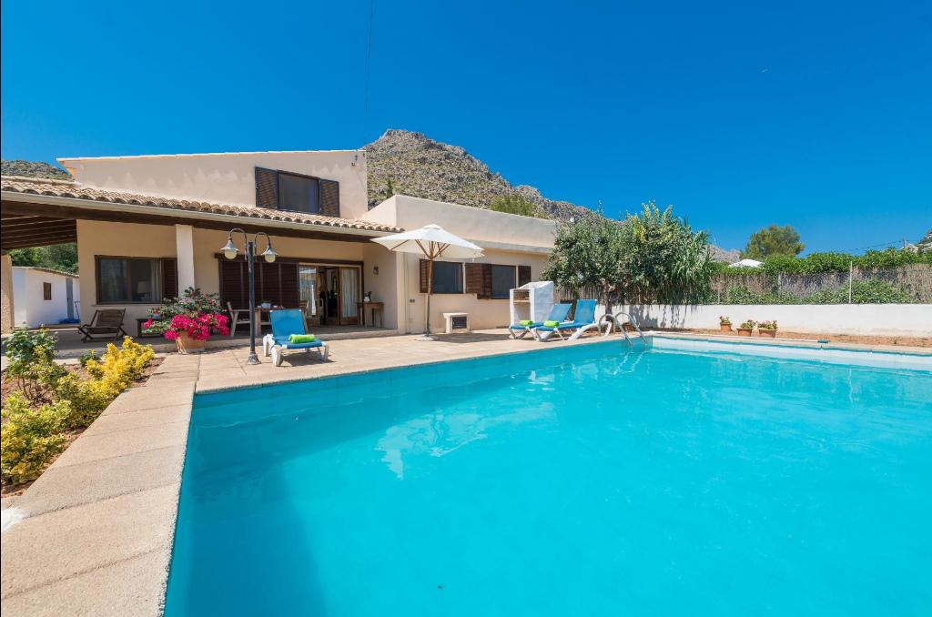 """Das Ferienhaus """"Ca na tonina"""" auf Mallorca bietet ein großes Grundstück mit Pool und viel Ruhe"""